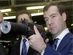 Медведев: борьба с бандитами в Чечне не прекращается