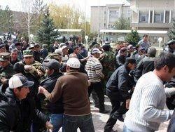 Лекарства в киргизский Ош доставляют на танках