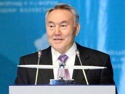 Назарбаев против воли стал лидером нации