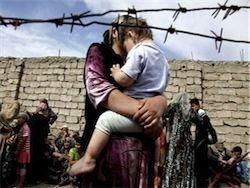 Киргизия. Сожженные дома, баррикады, снайперы, беженцы, бандиты