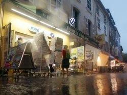 Во время наводнения во Франции погибло 8 человек