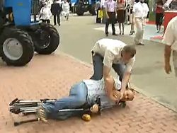 Нападение охраны Януковича на журналиста телеканала СТБ