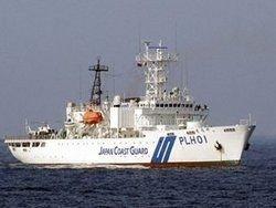 У побережья Японии затонул танкер с химикатами
