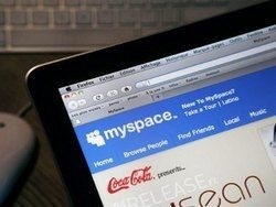 Один из соуправляющих MySpace объявил об увольнении