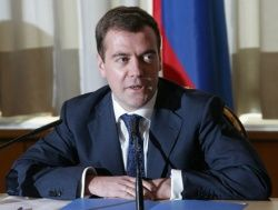 Медведев защитил права дольщиков