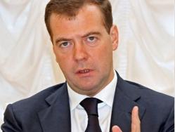 Медведев: в экономике нужно держаться золотой середины