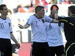 Немцы пожаловались на судейство в матче с Сербией