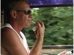 """...Саратовской области поступили жалобы на курение за рулем водителей маршрута N18Д  """" Калашниково - Елшанка  """" ."""
