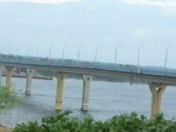 Медведев поручил проверить безопасность всех мостов в России