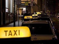 Юбилей такси: с шашечками и без