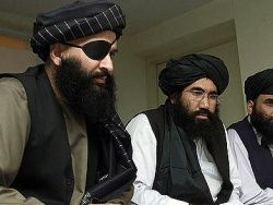 Американские солдаты платят дань Талибану
