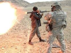 США платят афганским полевым командирам