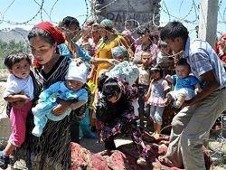 Беженцы из Киргизии требуют вернуть их обратно