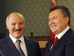 Укрнационалисты: Янукович должен поддержать Лукашенко