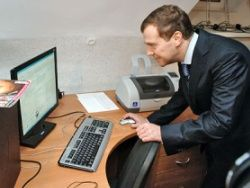 Медведеву покажут работу Apple, Twitter и Cisco
