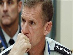 Обама принял отставку командующего силами НАТО в Афганистане