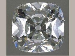 Помощница Зыкиной принесла в милицию украденные бриллианты певицы