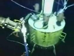 На поврежденную скважину вернули защитный купол