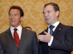"Медведева \""подтянули\"" на 20 см"