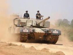 Французская компания предлагает новое МТО для танков T-72 и T-90