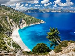 Греция устраивает распродажу островов
