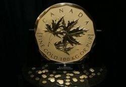 Гигантская золотая монета продана за 3,27 млн евро