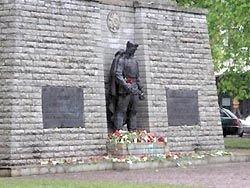 Степашин возложил в Таллине венки к Бронзовому солдату