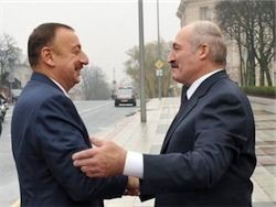 "Погасить долг перед \""Газпромом\"" Беларуси помог Азербайджан"