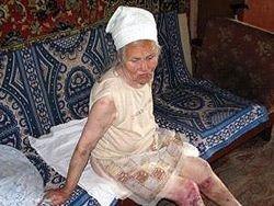 Студентки пять часов пытали 80-летнюю старушку