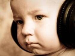 Фоновая музыка мешает работе мозга, утверждают неврологи