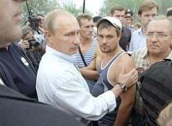 Кому пожар, а кому пиар: предвыборная кампания Путина