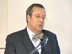 Президент Эстонии назвал Медведева диктатором