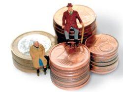 Пенсии чиновников в два раза превысили выплаты прочим пенсионерам