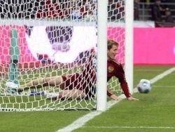 Павлюченко пропустит матчи с Ирландией и Македонией