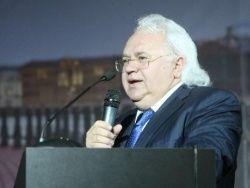 Зачем сталкивают Петрика и нобелевских лауреатов?