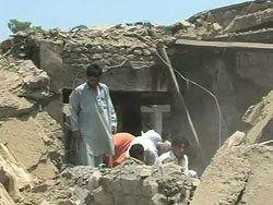 Экстремисты взорвали три школы в Пакистане