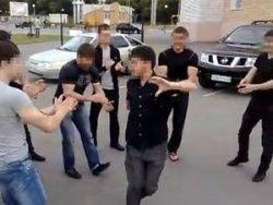 Танцует лезгинку без трусики видео на снена