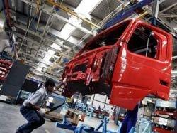Чиновники Еврокомиссии обыскали офисы Daimler и Volvo