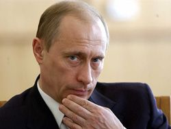 Путин пообещал ветеранам 10 млрд рублей на жилье