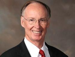 Губернатор Алабамы отказался признать нехристиан братьями