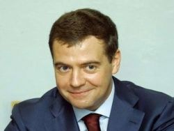 Медведев предлагает оплатить речь Мутко