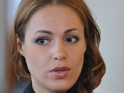 Эксперт: Азаров не в состоянии справиться с безработицей