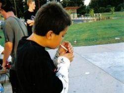 Реклама заставляет подростков закурить