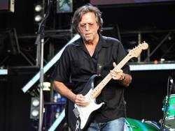 Эрик Клэптон распродаёт гитары из своей коллекции