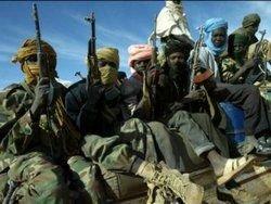 В Ливии  повстанцы  уничтожают все