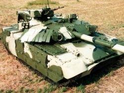 """Украинский танк """"Оплот"""" переехал российский Т-90"""