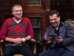 Резиденты Comedy спели для Медведева