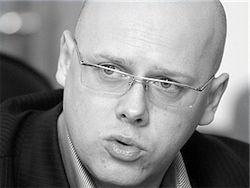 """Депутат предлагает отмечать 1 апреля как """"День партии власти"""""""