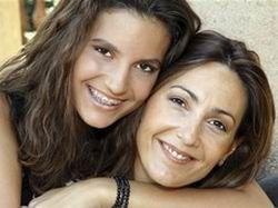 Определен возраст, когда женщина превращается в свою мать