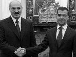 Медведев призвал Лукашенко укреплять демократию